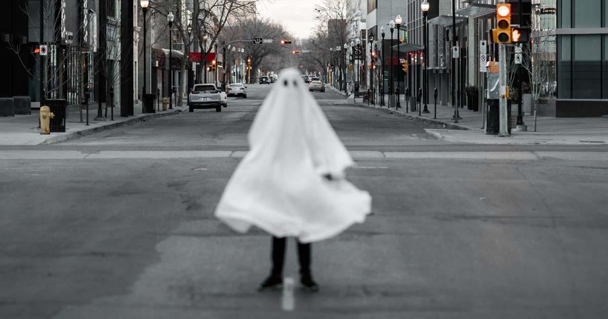 ghost-facebook-tandem-x-visuals-unsplash
